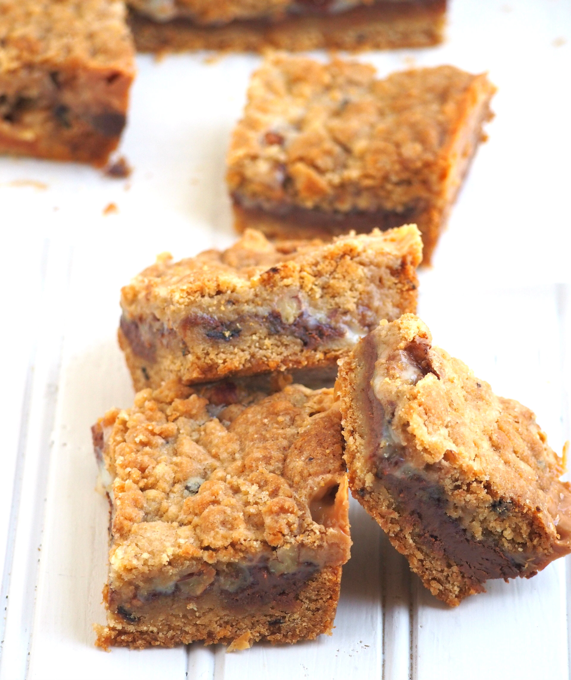 These cookie bars are oozing with sweetened condensed milk and Nutella in the centers. They are definitely addictive little treats.