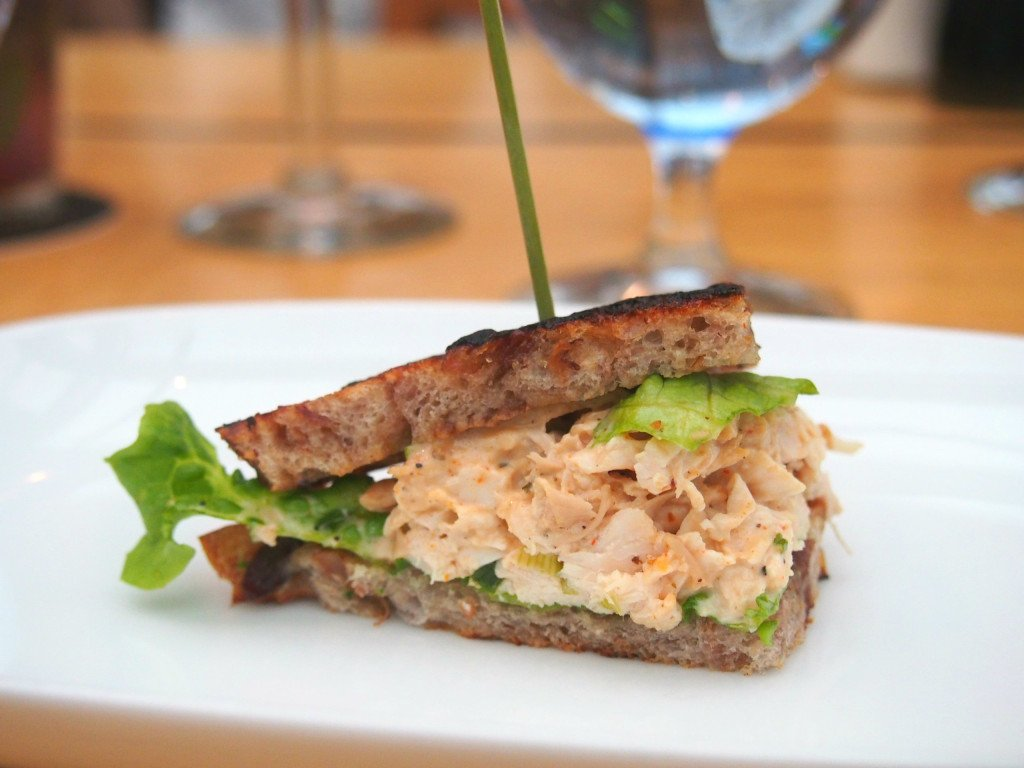 joeys restaurant chicken sandwich