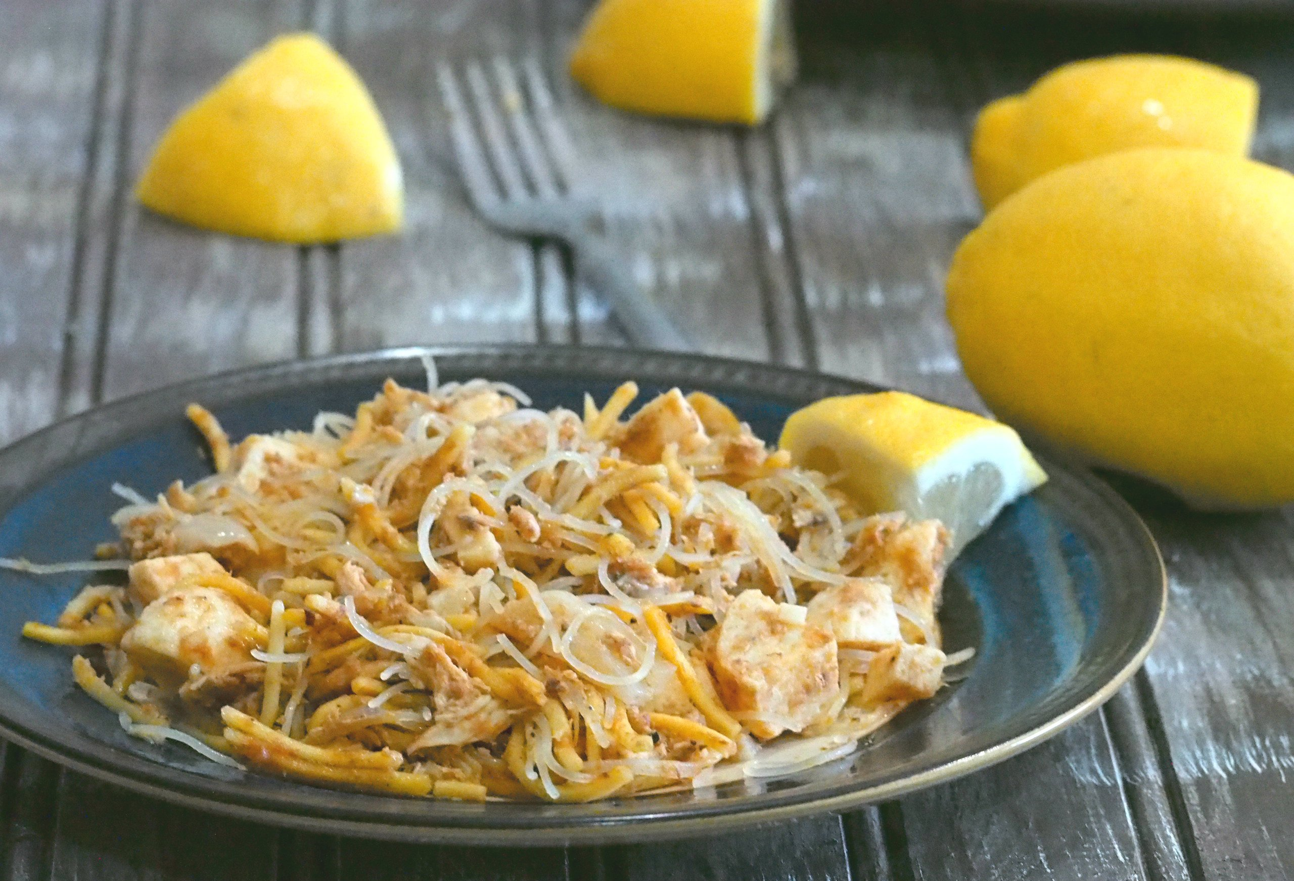 Using canned sardines as the main meat, Pancit sardinas is an easy but tasty variation to cook pancit, the very popular Filipino noodle dish.