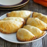 These baked chicken empanadas are made with tasty and flavorful chicken and vegetables filling, all enclosed in a buttery and crisp pastry.