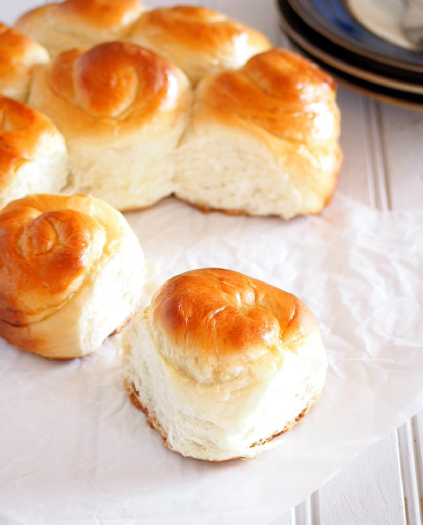 These milk bread aresoftand fluffy rolls that aremildly sweet, making themversatile for pairing with your choice of jam, spreads or even with just a plain cup of coffee.