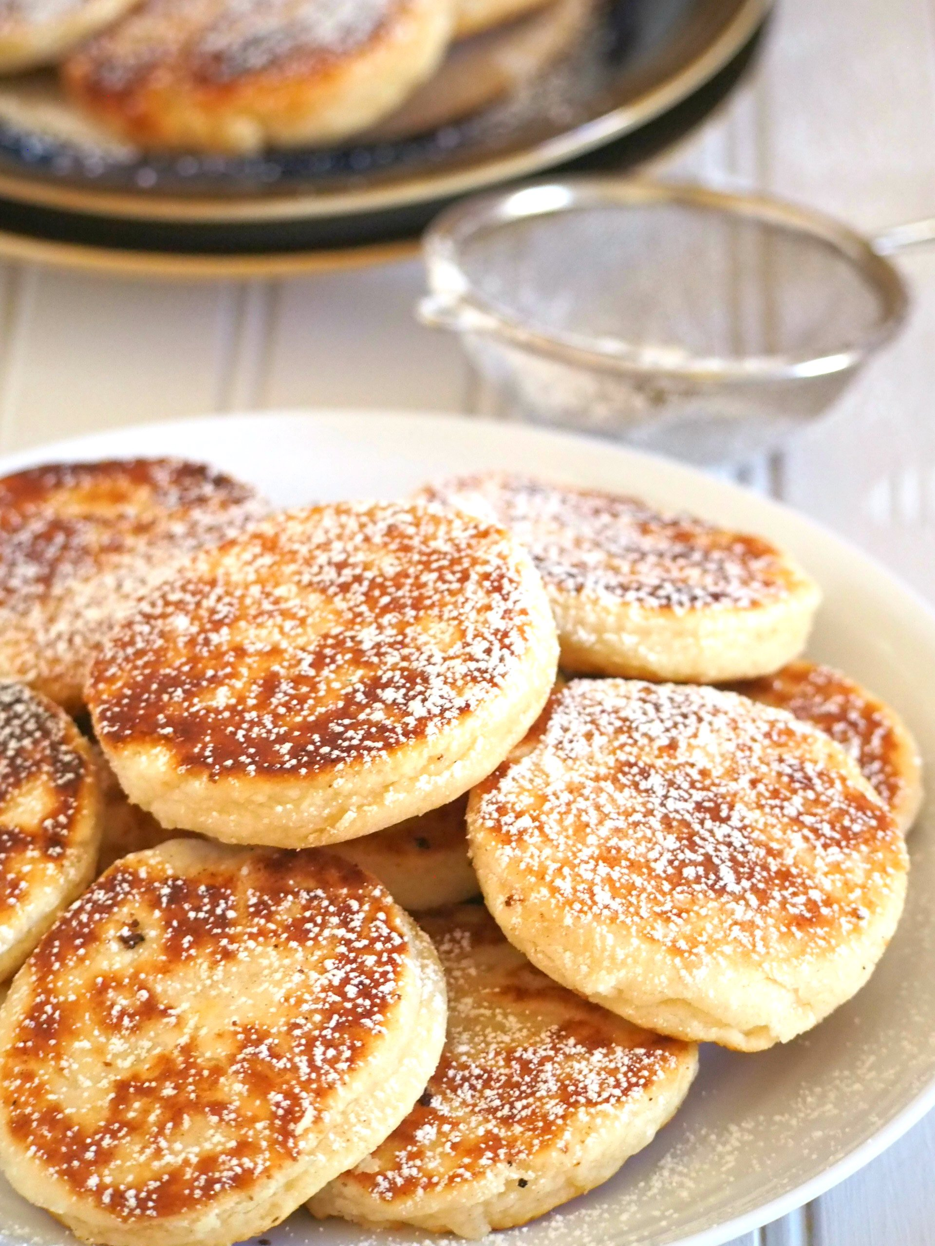 Welsh Cakes are soft and buttery little cakes delicious for snacking and are either served hot or cold. Serve them with your coffee or ice cream as they are satisfying little treats anytime of day.