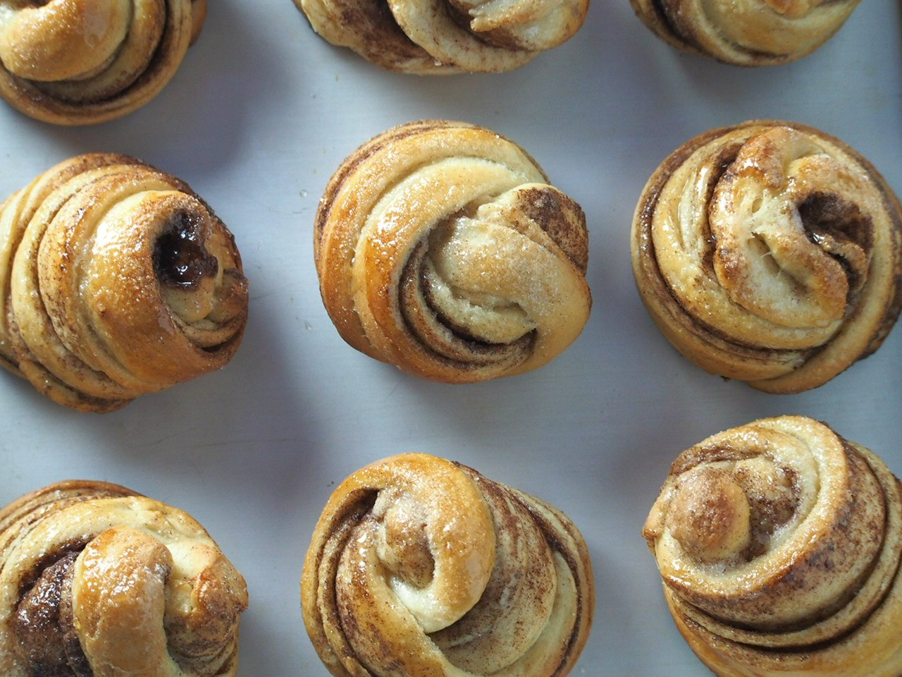 Swedish Cardamom Buns give you sweet and tasty rolls with warm and bright flavors of cinnamon and cardamom spices combined.