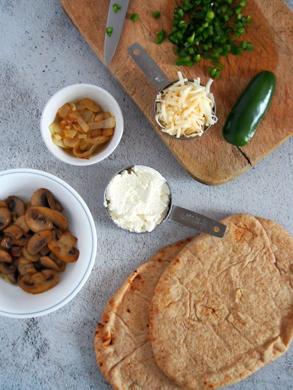 Ingredients for Mushroom Jalapeno Naan Pizza