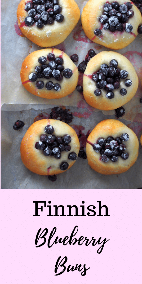 You will love the fresh and bright flavor of these Finnish Blueberry Buns warm from the oven. Juicy and sweet berries nestled on soft bread, these are pure comfort with your cup of coffee! #blueberries #blueberrybread #berries | Woman Scribbles