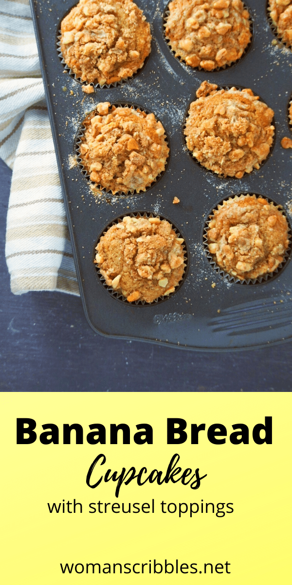 These soft and moist banana bread cupcakes are topped with a crunchy and buttery streusel. They are flavorful snacks or treats anytime of the day! #bananabread #cupcakes #bananamuffins