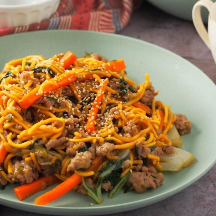 Garlic Pork Chow Mein in a serving dish.