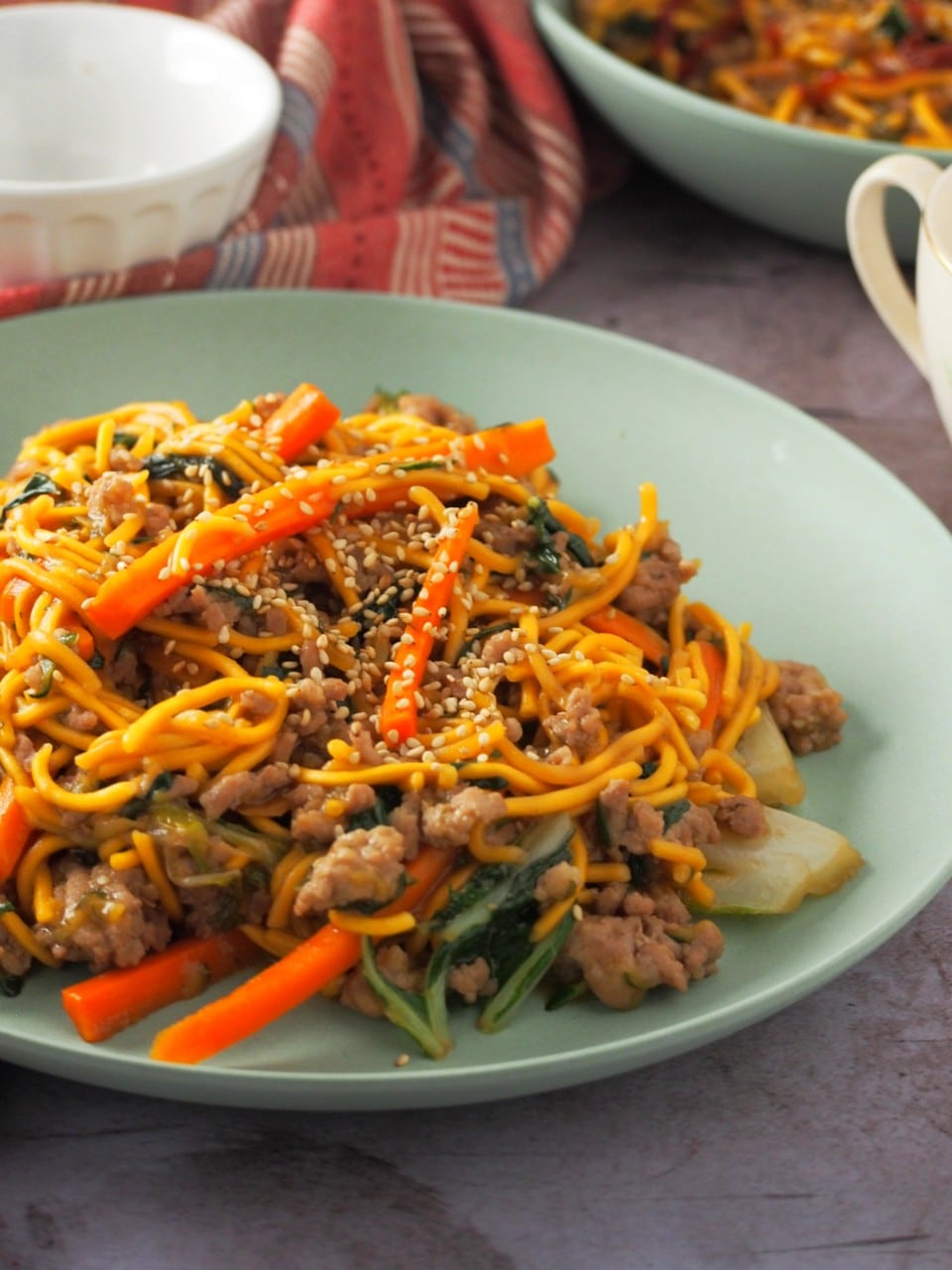 Garlic Pork Chow Mein in a serving dish.