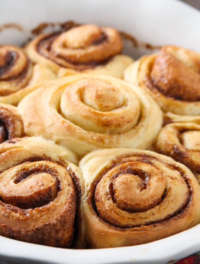 Freshly baked bread machine cinnamon rolls.